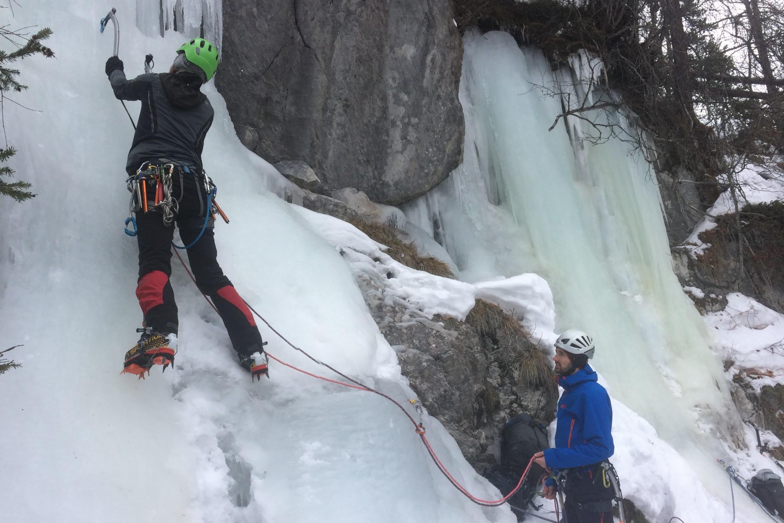 Stage pefectionnement cascade de glace Hautes Alpes