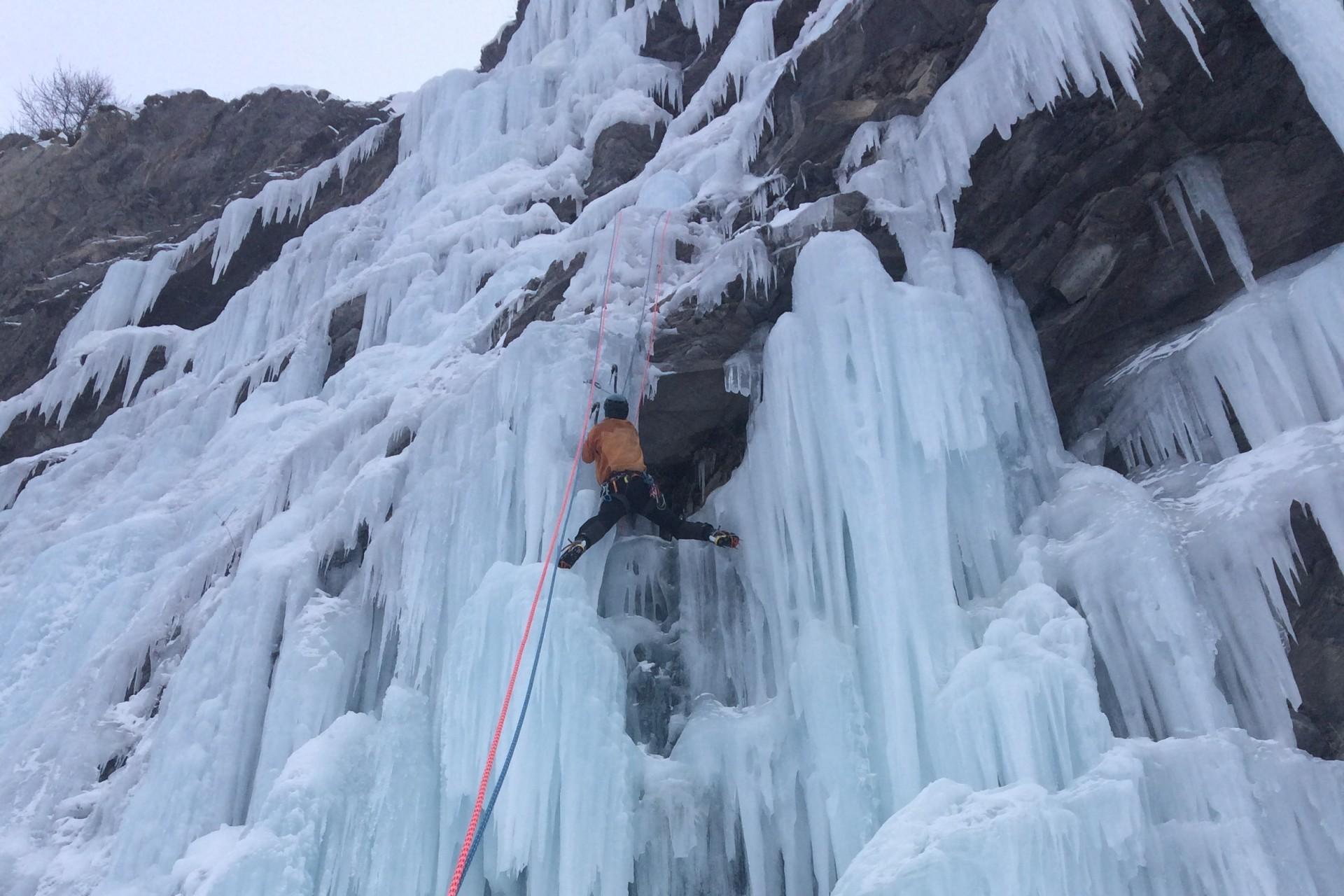 Stage perf escalade sur glace stage autonomie Hautes Alpes