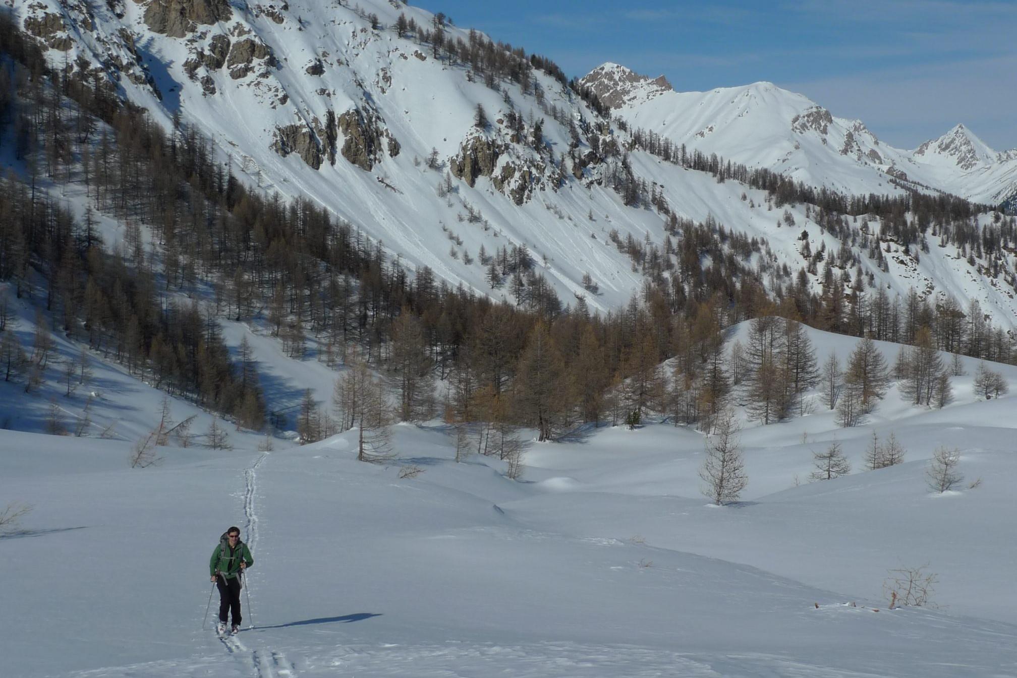 Une journée avec un guide de montagne en ski de randonnée dans le massif du Queyras.