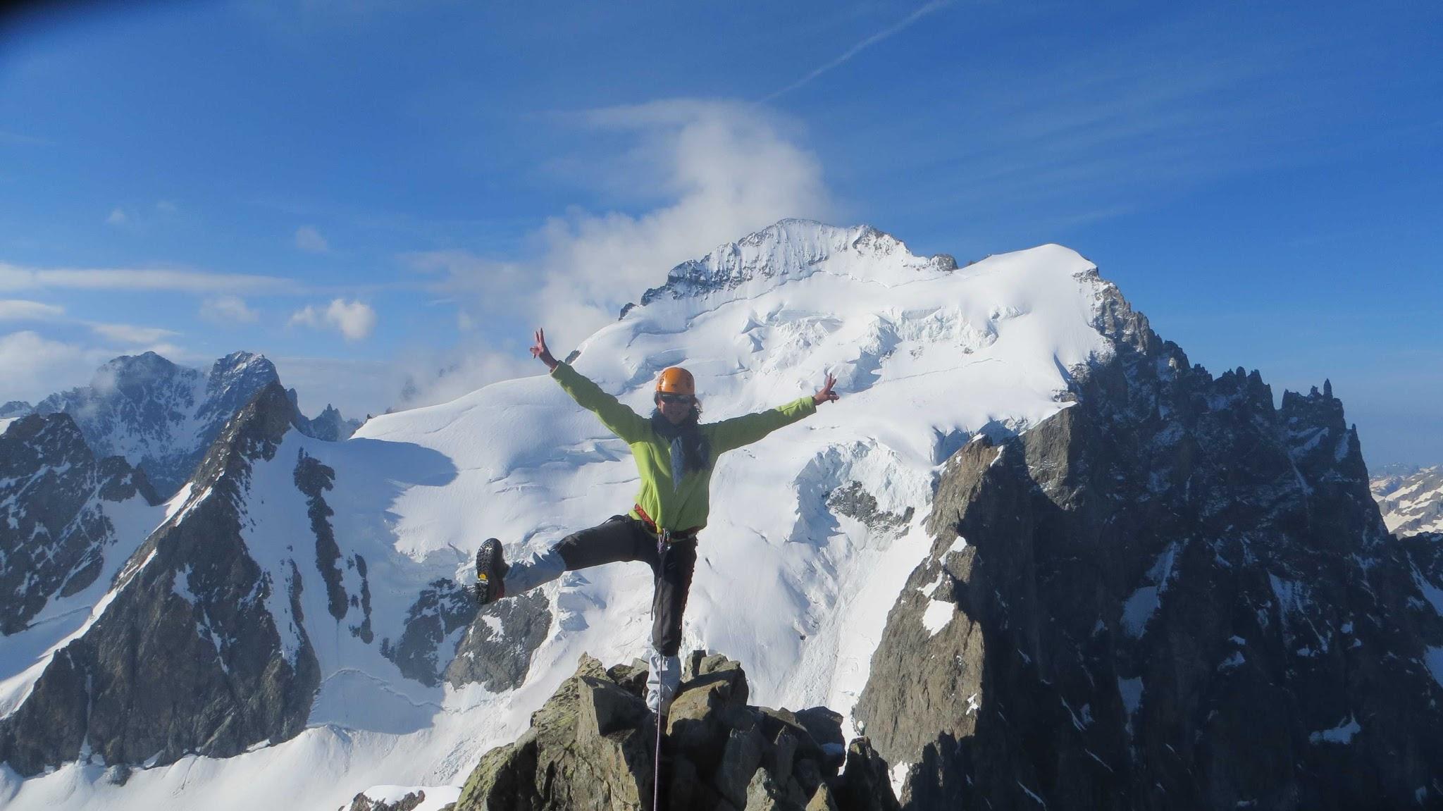 Joie au sommet de Roche Faurio avec un guide de haute montagne