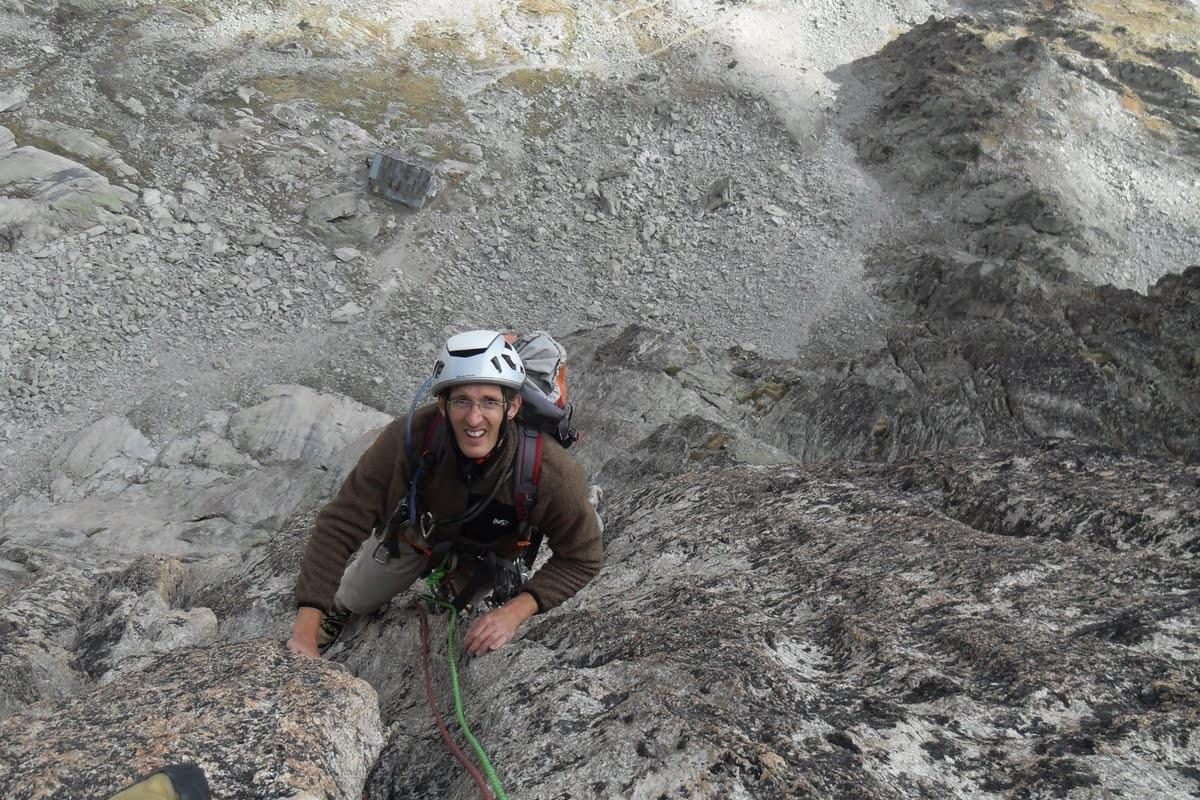 Ascension d'un guide de montagne de l'aiguille de la dibona