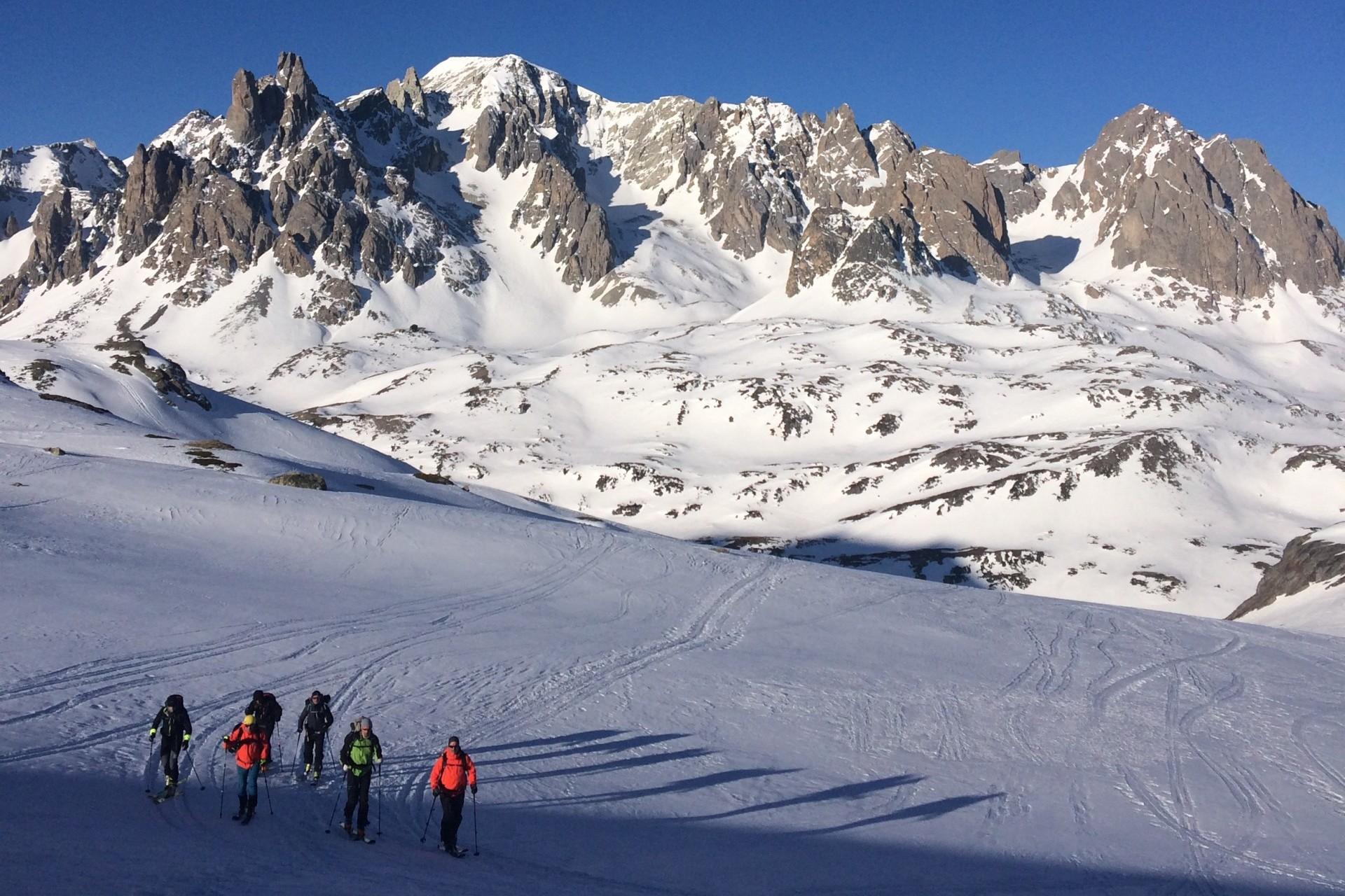 Raid à ski dans les Cerces autour du Thabor avec un guide de montagne