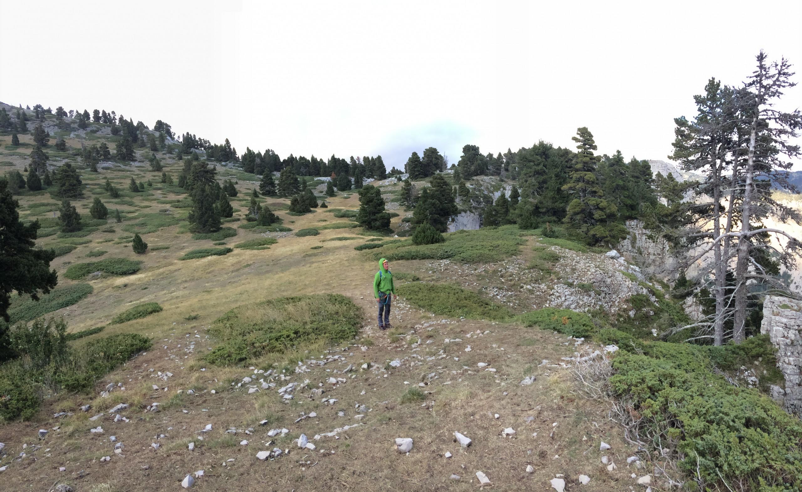Après la grande voie de la paroi rouge, descente sur les plateaux du Vercors.