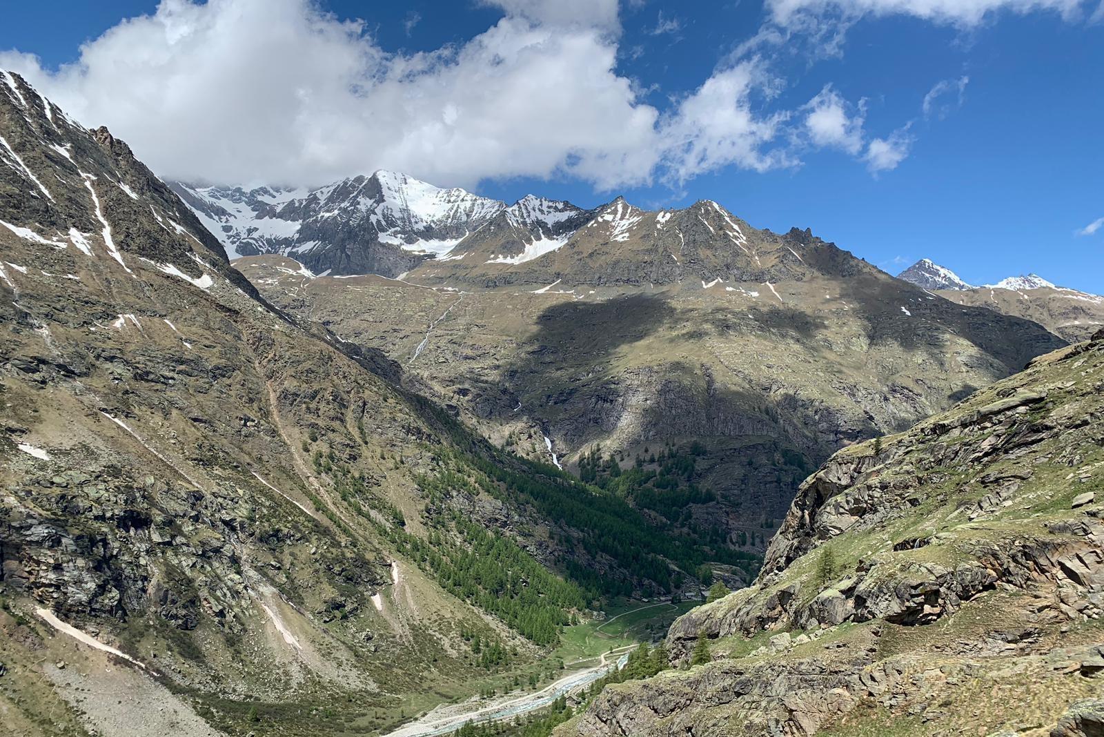 Vallée du Valsavarenche depuis le sentier du Grand Paradis