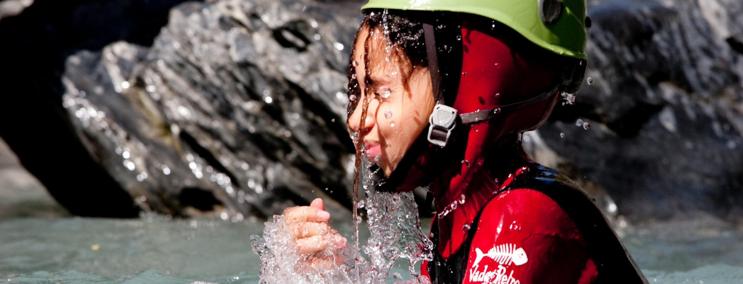 Canyoning dès 6 ans en famille. Des canyon pour tous dans les Hautes-Alpes, les Ecrins et Serre Ponçon