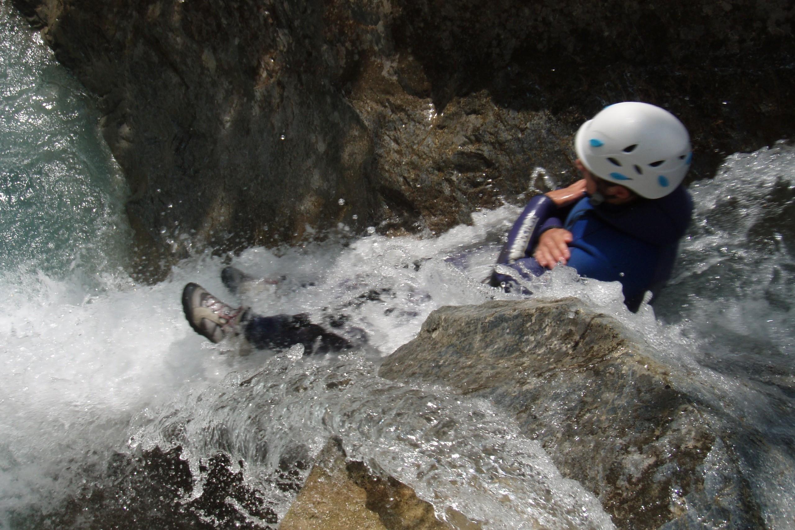 Toboggan dans le canyon des Acles avec Vertical Addict