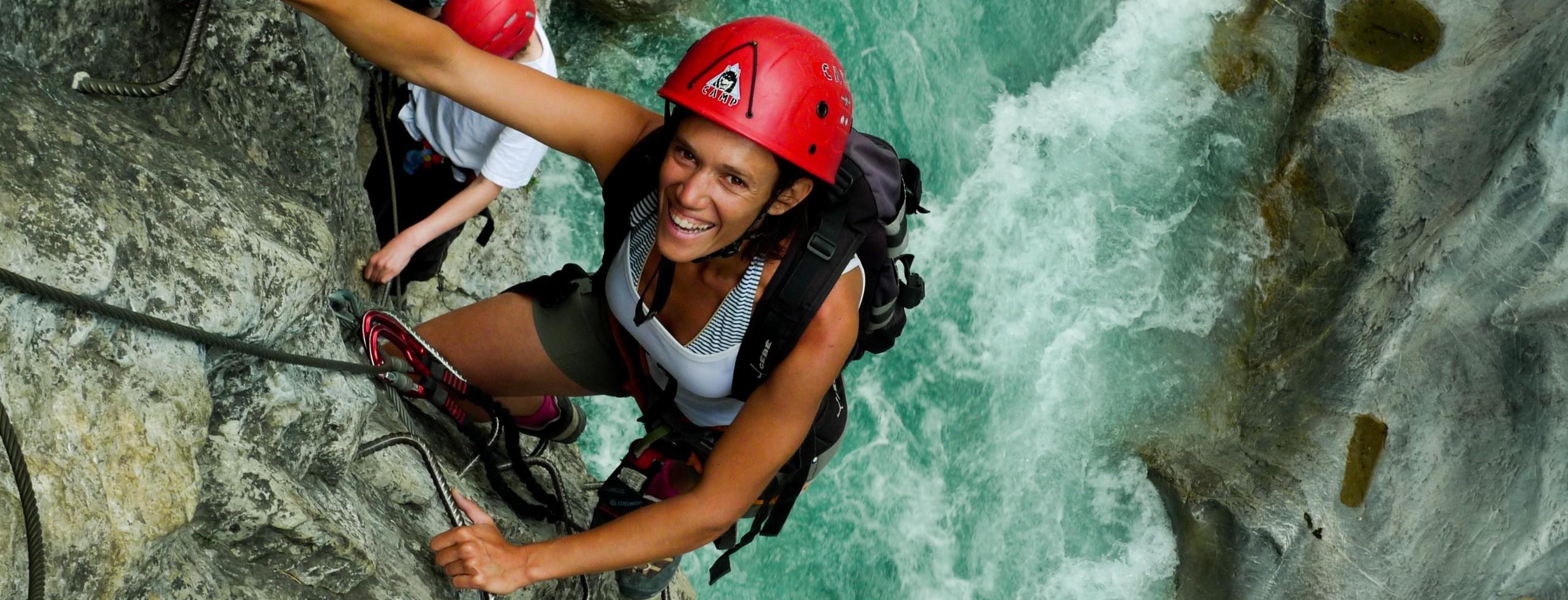 Vos envie de montagne avec Antonin, guide de montagne et canyon dans le 05.