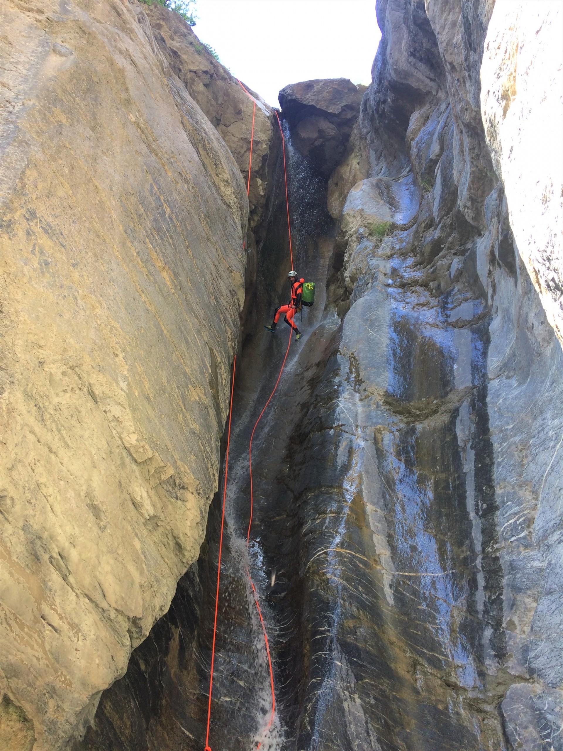 Un beau rappel dans le canyon de l'Enduchet