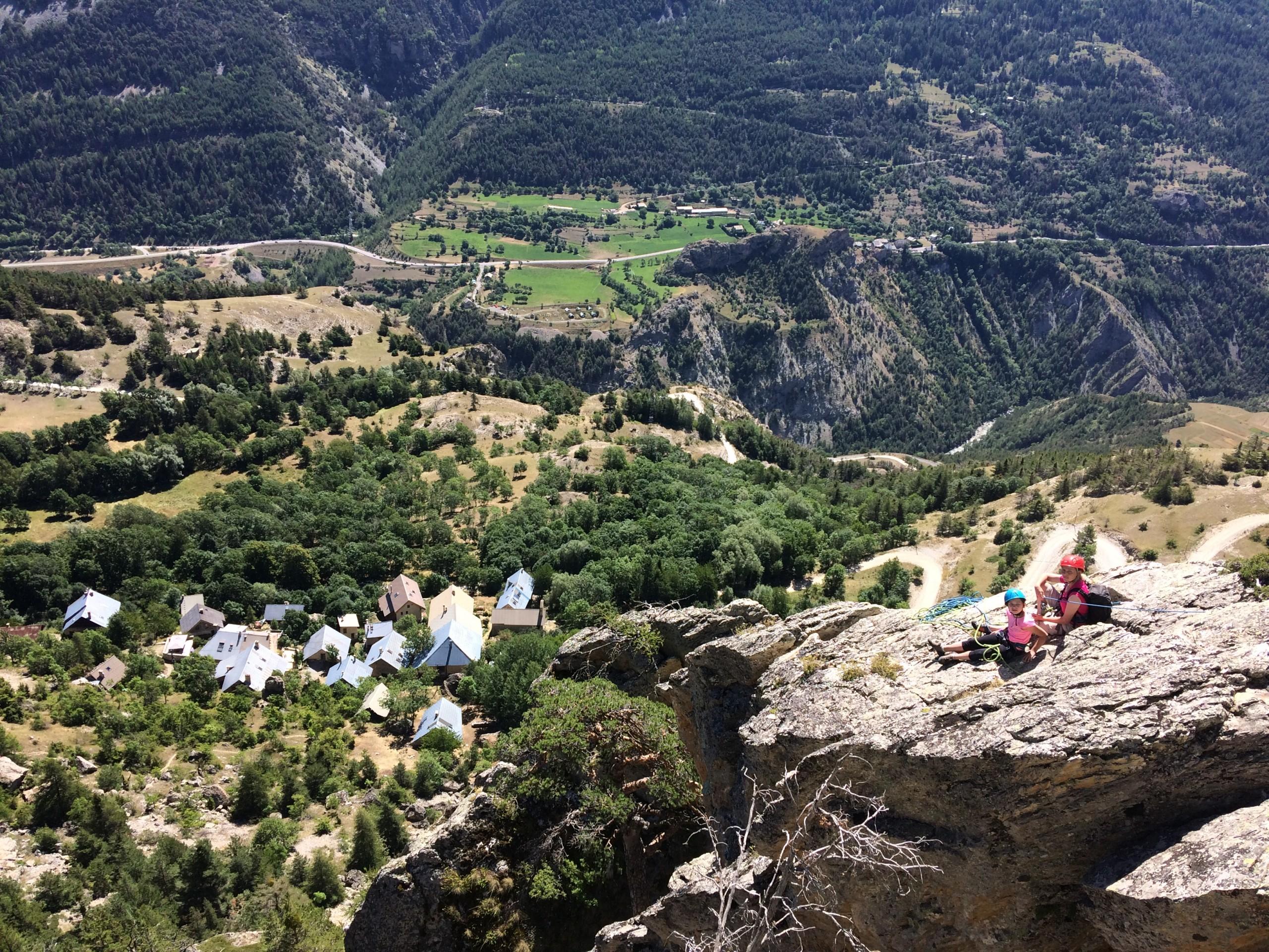 Eperon de bouchier et sa vue sur l a vallée de la Durance proche de Briançon