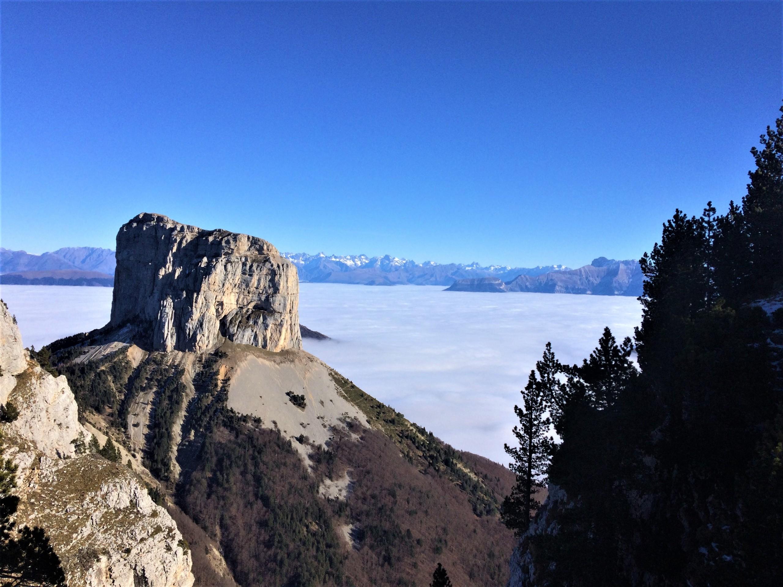 Ascension du Mont Aiguille au pied du Vercors